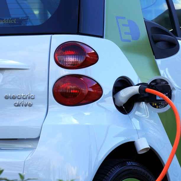 Una forma de multiplicar los puntos de carga de coches eléctricos
