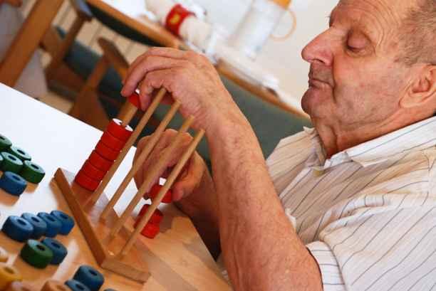Más de 20.000 personas mayores reciben atención a través de la financiación de Triodos Bank
