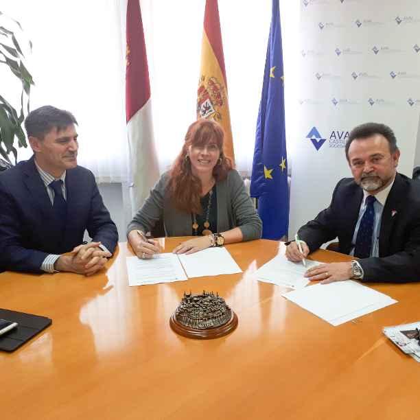 Triodos Bank y Aval Castilla-La Mancha firman un convenio para pymes, autónomos y emprendedores